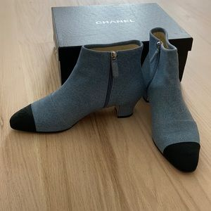 NWT CHANEL Chambray Blue/Black Cap-toe Booties 41